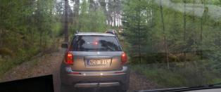 Bilistene fulgte omskiltingen på E16, og endte opp langt til skogs