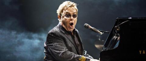 Elton John raser mot kontroversiell �toalettlov�