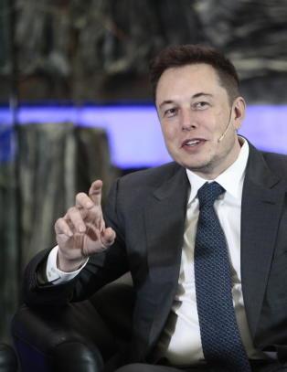 Tesla-sjefen selger aksjer for 5 milliarder