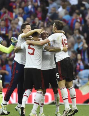 Rooney r�rt etter FA-cupseieren: - Et spesielt �yeblikk. Mange har hatt det t�ft