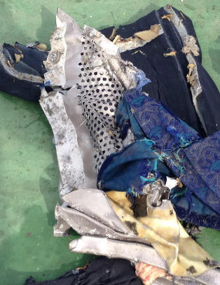 Kontrameldig: Sier levningene ikke tyder p� eksplosjon p� flyet
