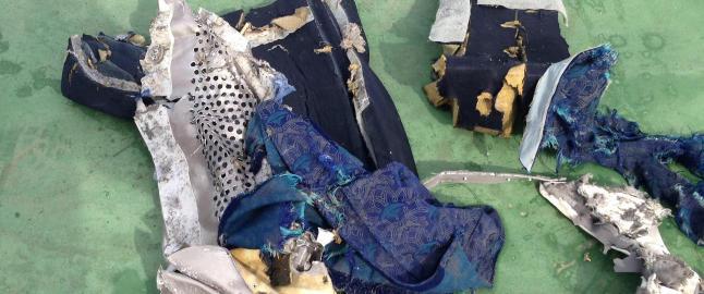 - Levninger etter EgyptAir-styrten tyder p� eksplosjon om bord
