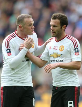 N� ser Rooney ut som den perfekte nummer 10