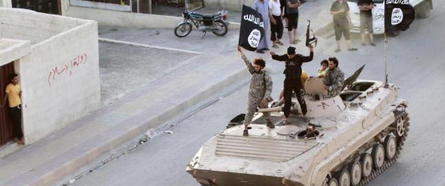 Styrker st�ttet av USA har iverksatt offensiv for �  gjenvinne IS-hovedstaden