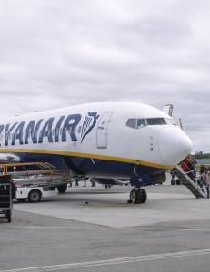 Frp jobber for � fjerne flypassasjeravgiften