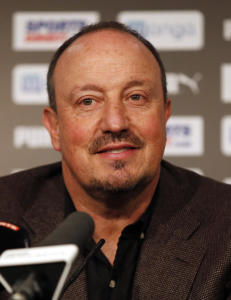 Benitez blir i Newcastle