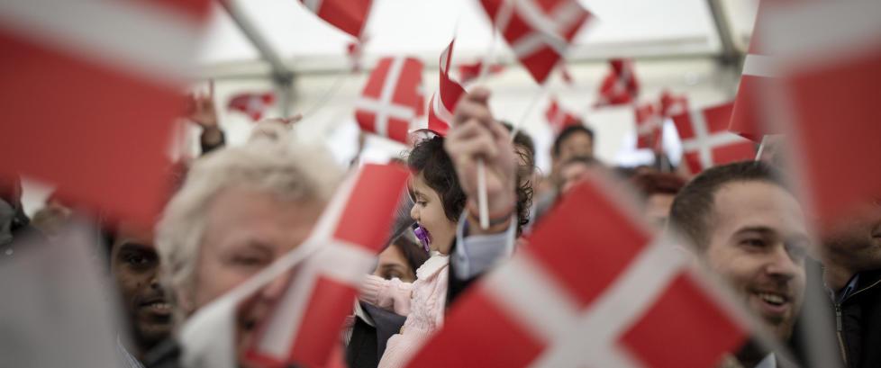 Asyls�keren har 17 barn og kan f� 214 000 i barnebidrag. N� vil Danmark ha lovendring