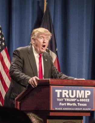 Donald Trump har f�tt delegatene han trenger for � bli presidentkandidat