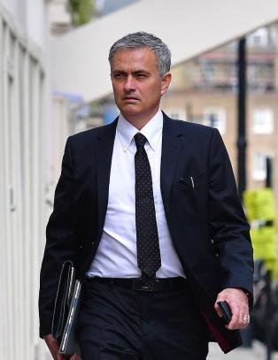 Avsl�rer Mourinhos verste side: - Han mobber enkeltspillere