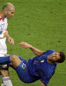 Materazzi legger nedskallingen bak seg: - Jeg heier p� Zidane