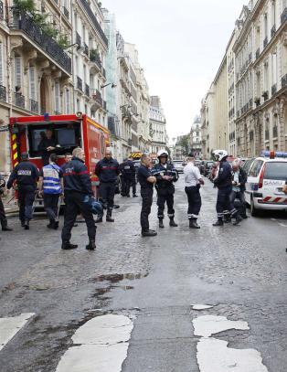 Ti barn skadd i lynnedslag i park i Paris