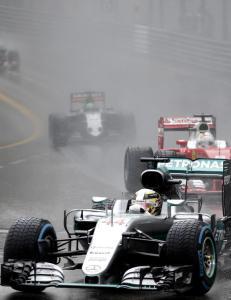 Hamilton vant Formel 1-thriller i Monaco