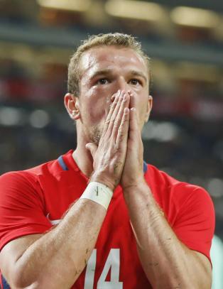 Perlene i Porto var n�del�se mot Norge. King f�lte seg snytt: - Soleklart straffe