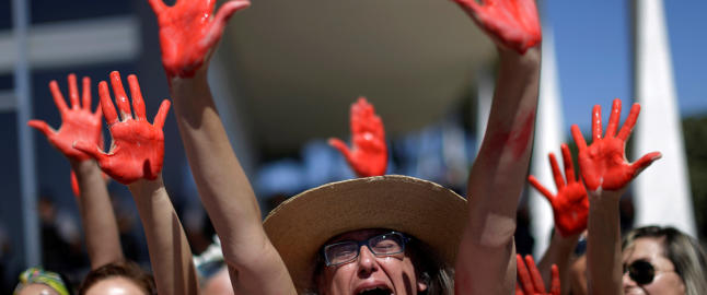 Brasil raser etter at skrytevideo av massevoldtekt havnet p� nettet. N� snakker det 16 �r gamle offeret