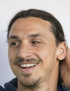 Skadet Zlatan hedret: - Jeg beklager, men jeg kommer. Vent på meg
