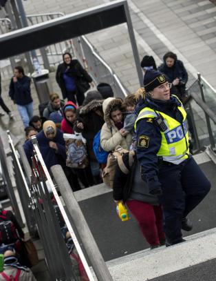 162 000 asylsøkere kom til Sverige i fjor. Under 500 fikk jobb