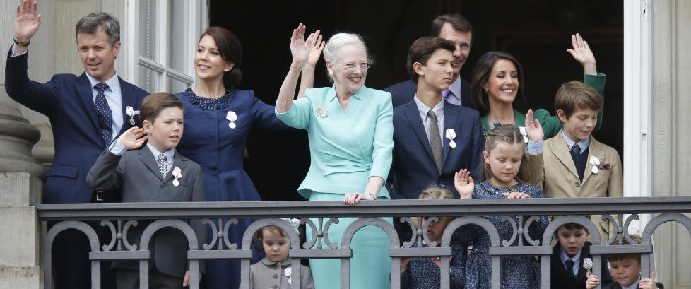 Danske politikere �nsker � begrense kongefamiliens midler