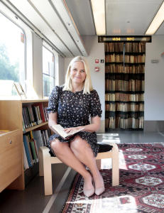 - Hadde Mette-Marit brydd seg, hadde hun satt av 50 mill. i stipender til norske forfattere