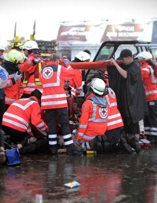 Etter at 82 festivalgjester er skadd etter lynnedslag er �Rock am Ring� avlyst