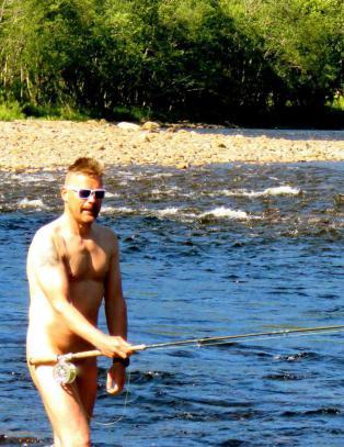 Snekkeren Rune vil få hele Norge til å nakenfiske