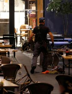 Minst tre drept og flere skadd i skyting p� kj�pesenter i Tel Aviv