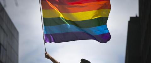 Sosiale medier farges av regnbuen etter masseskytingen