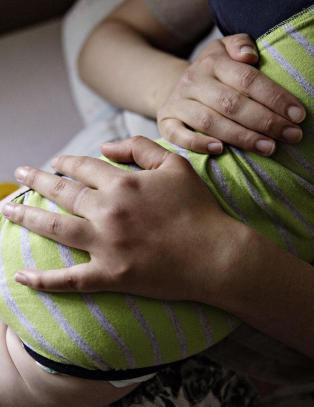 Nettverk hjalp babymamma (27) � leve i skjul for barnevernet