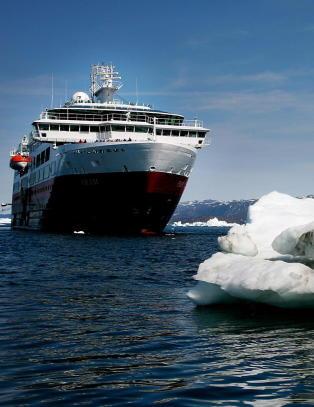 Hurtigruta svarer p� den knallharde kritikken med flunkende nytt skip