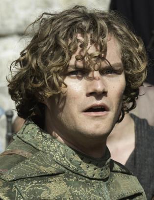 Fant inspirasjon for homofil �Game of Thrones�-ridder i russiske mishandlingsvideoer