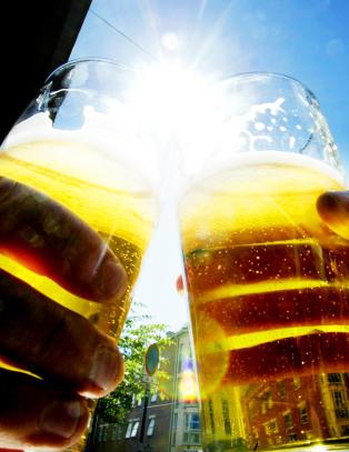 - F� ting blir l�yet mer om enn eget alkoholforbruk