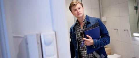 Magnus (24) har vært med på å kjøpe 147 leiligheter i år