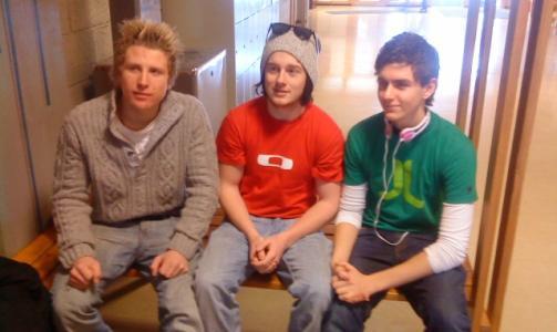 ENGASJERTE: F.v. Audun Ødegård, André Lillehovde, Daniel Skaugum vil ha slutt på at tre års skolegang ødelegges av russefeiringa. Løsningen er å flytte eksamensperioden, mener de. FOTO: PRIVAT