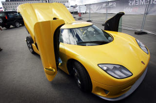 LUKSUSBIL: Idar Vollviks Koenigsegg CCR, en sportsbil til syv millioner kroner han kj�pte i 2005. Vollvik kunne kj�pt 285 slike biler for pengene han har tapt. Foto: Gorm Kallestad  / SCANPIX