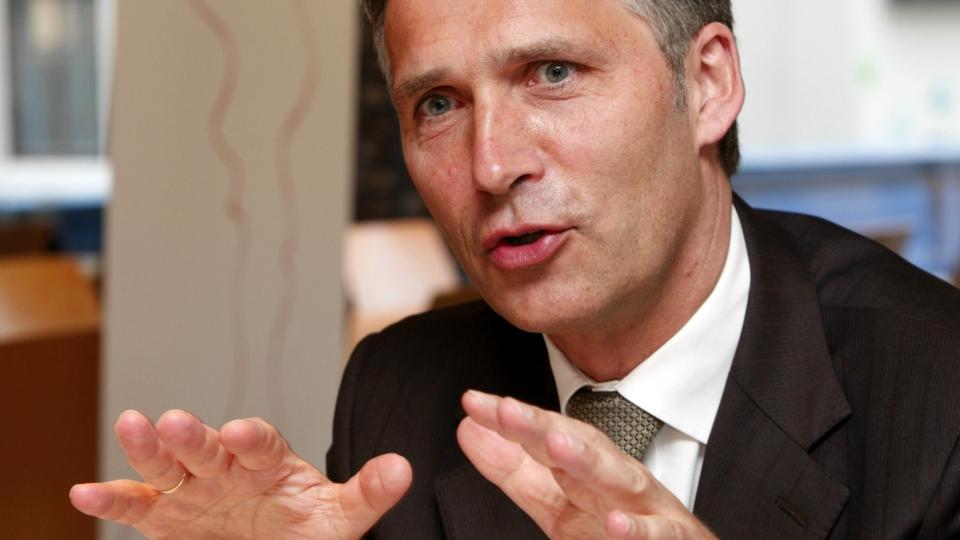 I RISIKOGRUPPA: Partileder og statsminister Jens Stoltenberg fikk i slutten av forrige uke vaksine mot svineinfluensa. Foto: Bj�rn Sigurds�n / SCANPIX