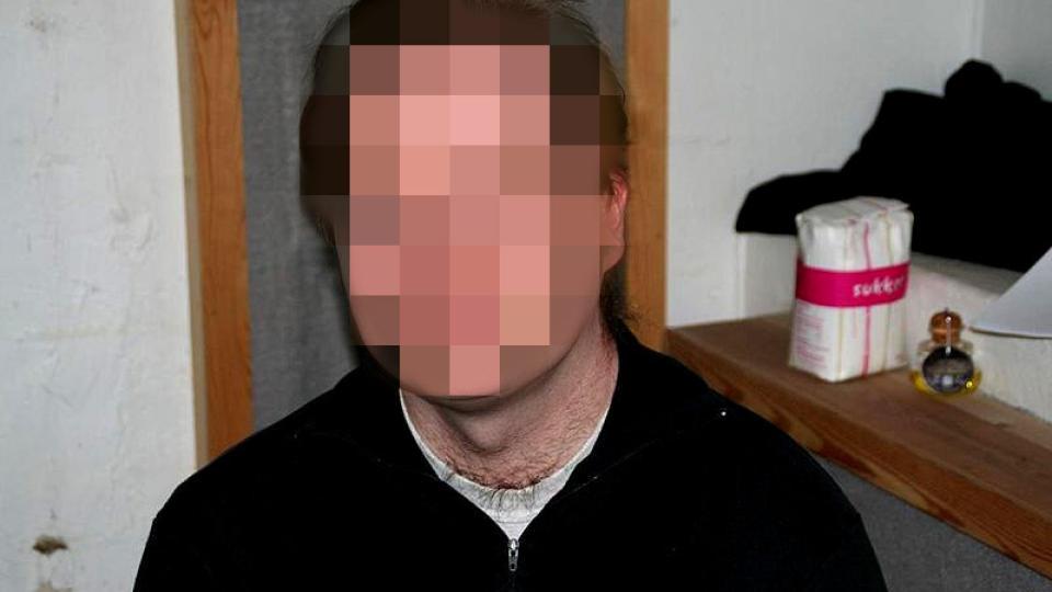 SIKTEDE: Den 36 �r gamle l�reren ringte selv til politiet og sa at han hadde drept moren sin.