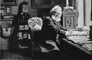 HADDE PANGERMANSKE SYNSPUNKTER: Det er lite kjent at Henrik Ibsen, Bj�rnsson og Munch ivret for et storgermansk rike. De kan da heller ikke tas til inntekt for nasjonalsosialismen, som senere ble sterkt knyttet til pangermanismen. Foto: Hulton Deutsch Collection/Scanpix