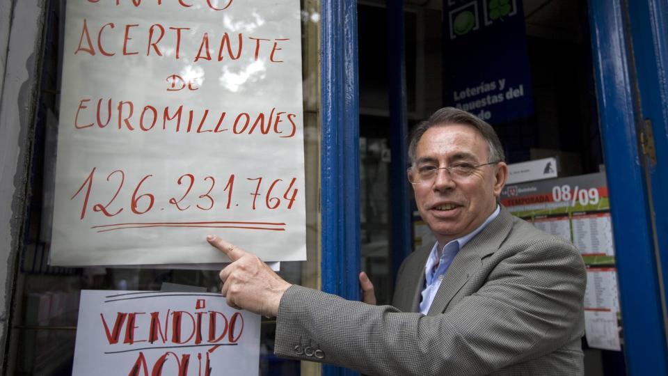 Kvinne fra Mallorca vant verdens største lottogevinst på 1,1 milliarder kroner. thumbnail