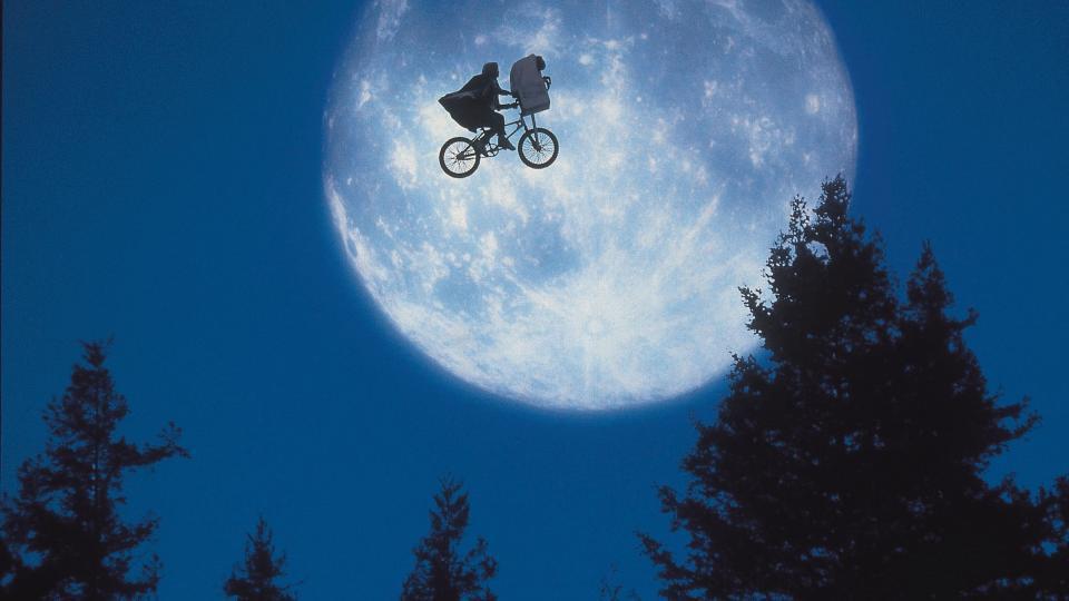 E.T hadde mange menneskelige egenskaper. thumbnail