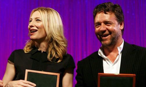 I HOVEDROLLENE: De australske stjerneskuespillerne Cate Blanchett og Russell Crowe spiller hovedrollene i den nye Robin Hood-filmen. Foto: SCANPIX / EPA/Jane Dempster