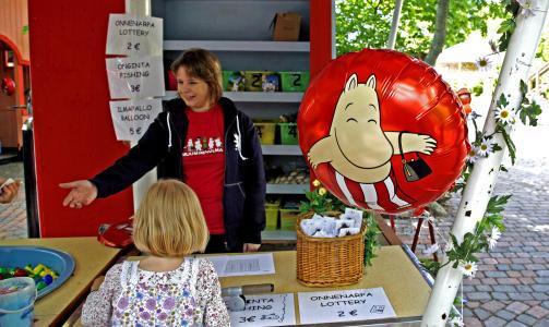BALLONG: Alt koster flesk, bare det har noe med Mummi � gj�re. Likevel er de heliumfylte ballongene sv�rt popul�re.
