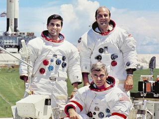 SIST: Apollo-17-mannskapet: Harrison H. Schmit (t.v.) Eugene A. Cernan og Ronald E. Evans (t.h.) er de siste som har v�rt p� m�nen. Det skjedde i 1972. Foto: NASA