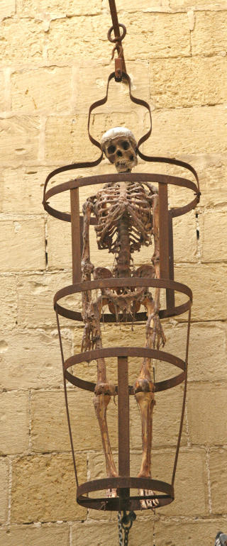 ST�LBUR: Det ble utp�nsket djevelske torturmetoder.