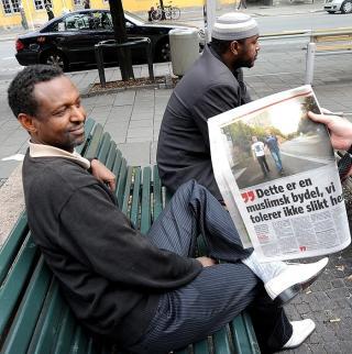 HOMOFILI FORBUDT: Muslimske Yusuf Suleiman (38) forteller at homofili er forbudt blant muslimer, men synes det er greit at nordmenn praktiserer det. Foto: �istein Norum Monsen