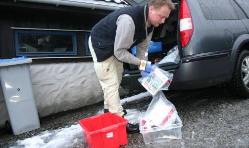 BESLAG: Politiet gjorde en rekke beslag hjemme hos Andersen i Bergen etter at han ble p�grepet 11. januar i fjor. Foto: Leif Stang