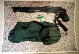 V�PENET: Bildet skal vise v�penet sj�f�r Abedi Kasango ble drept med. V�penet er vist fram i retten, men ingen av �yenvitnene kunne si med sikkerhet at de kjente igjen v�penet. Foto: Vegar K. Vatn / SCANPIX