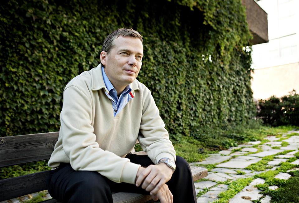 P� EGEN H�ND: Geir Isene (42) er ferdig med Scientologikirken. N� vil han kaste lys over det han mener er overtramp fra bevegelsens side. Foto: NINA HANSEN/DAGBLADET