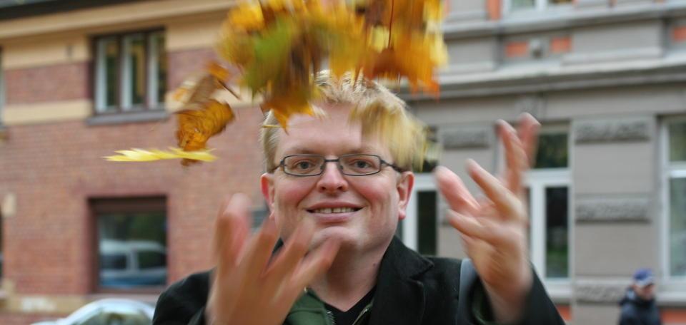 SIER NEI: Forfatter Eirik Newth mener kunstnerne og organisasjonene bak oppropet mot fildeling mangler respekt for nettbrukernes personvern og rettssikkerhet. Foto: Jorunn Danielsen Newth under en Creative Commons-lisens.
