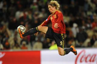 LIVERPOOL OG SPANIA: Fernando Torres blir � se b�de i Champions League og i Fotball-VM. Foto: AFP/ROBERTO SCHMIDT