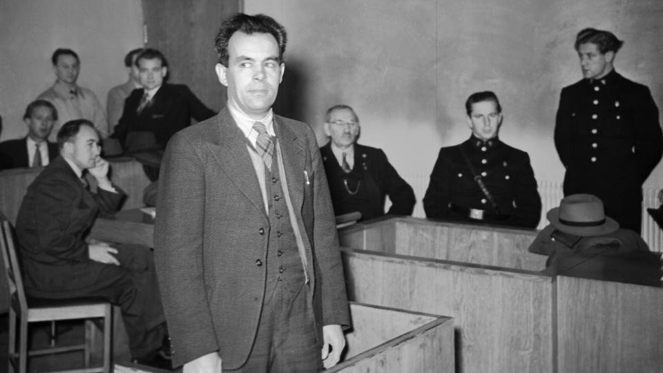 SOM BESTEFAR S� S�NNES�NN: Frode Fanebust har skrevet bok om hvordan norske myndigheter etter forfulgte �Bustefaen� for � skrive sannheten om landssvikoppgj�ret. Saken har v�rt betegnet som �den norske Dreyfuss-saken�.