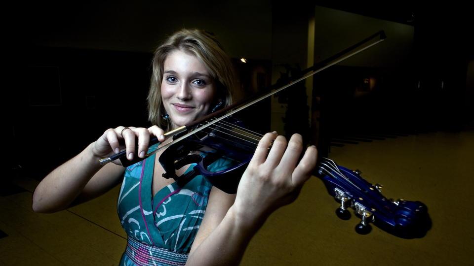 Håper virkelig at Ingrid Berg Medhus ønsker å komme ut med musikken sin. thumbnail